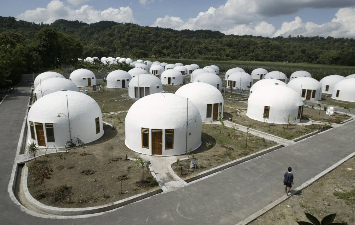 70-dome-houses-were-built-for-villagers-who-lost-their-houses-to-an-earthquake-in-indonesias-ancient-city-of-yogyakarta-the-monolithic-domes-can-withstand-earthquakes-and-winds-up-to-190-mph