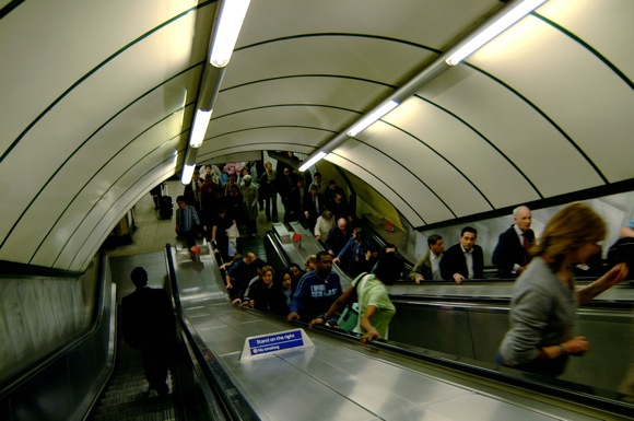thang-may-o-londontube